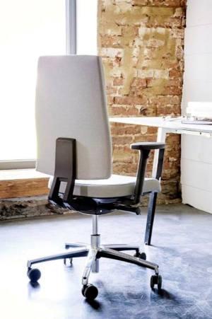 APP – krzesło obrotowe tapicerowane